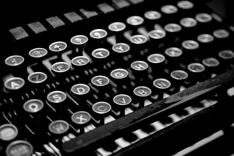 typewriter 4 letters retireon super graundparent