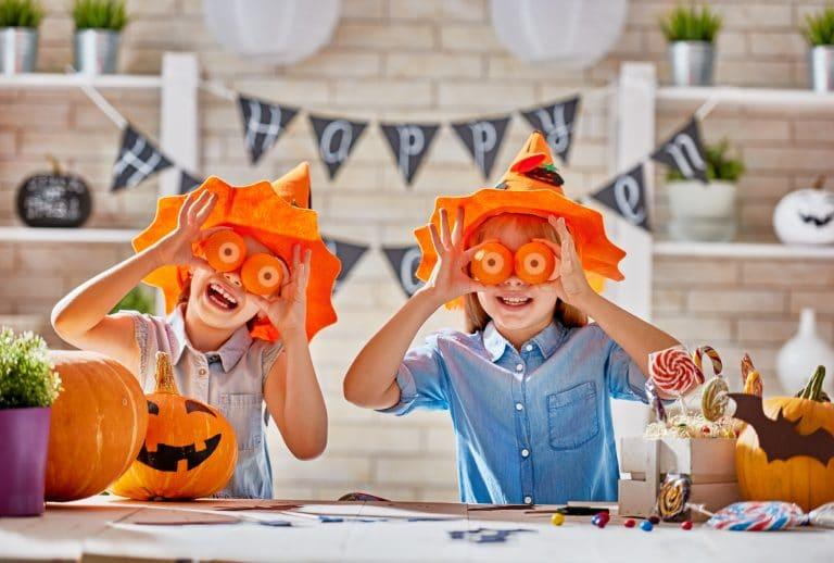 kids at halloween PHMHHHU